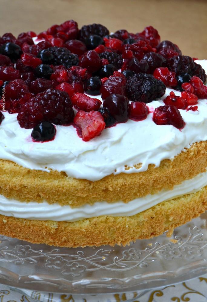 Gâteaux improvisé – crème et fruits rouges