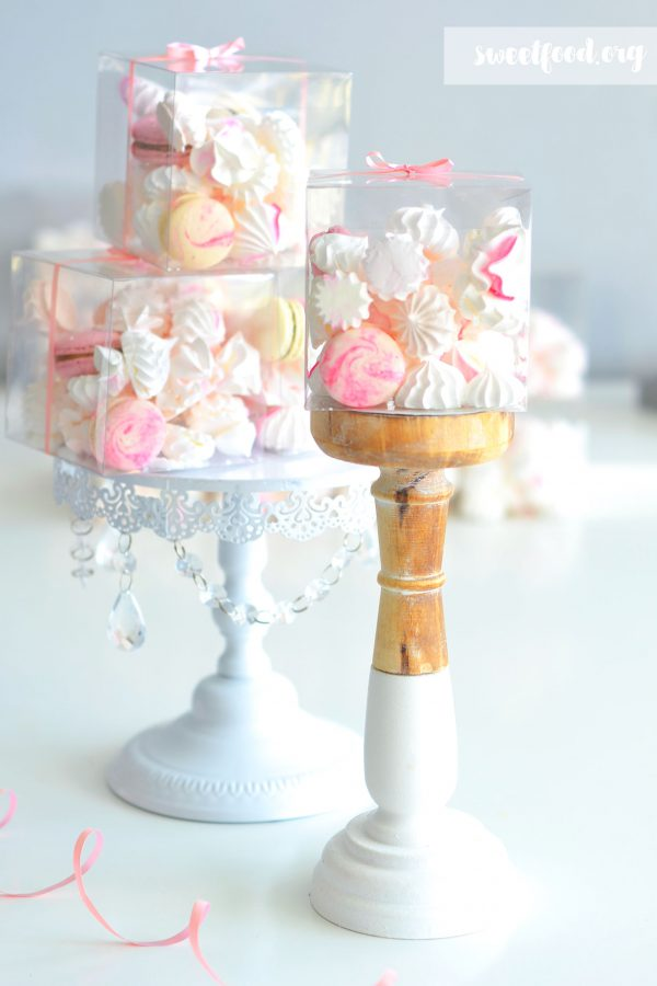 Box cadeau ( macaron et meringue )