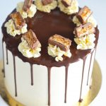 Layer cake snickers
